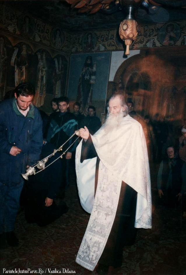 Parintele Justin Parvu Ro - Manastirea Petru Voda - Foto Arhiva 10