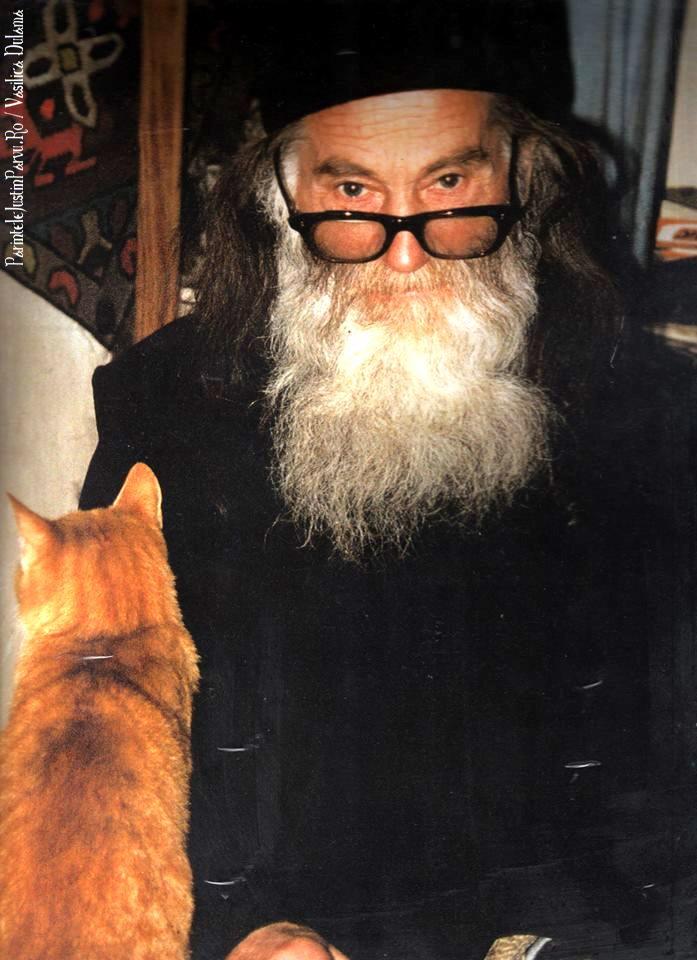 Parintele Justin Parvu Ro - Manastirea Petru Voda - Foto Arhiva 13