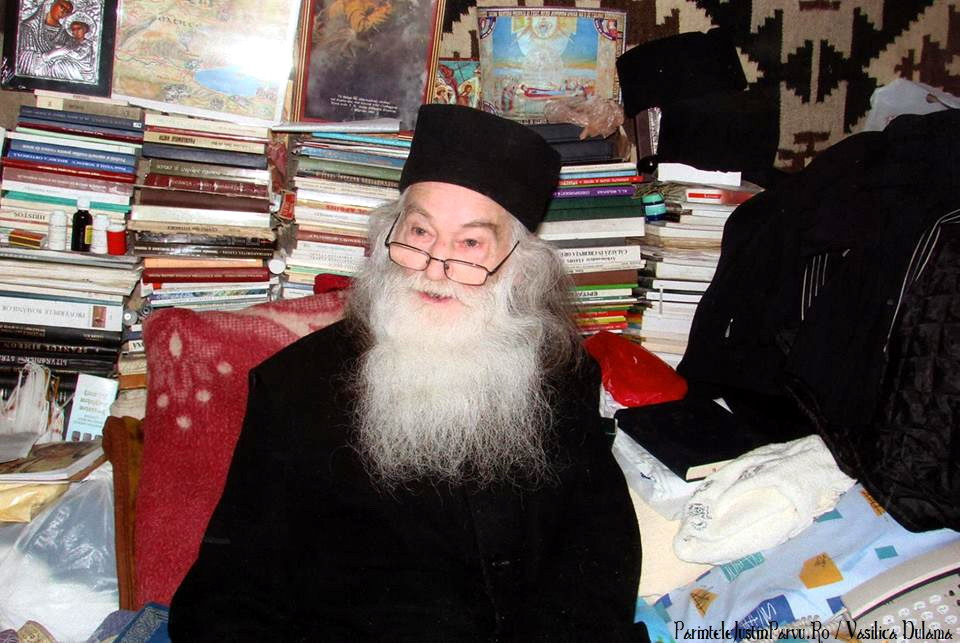 Parintele Justin Parvu Ro - Manastirea Petru Voda - Foto Arhiva 16