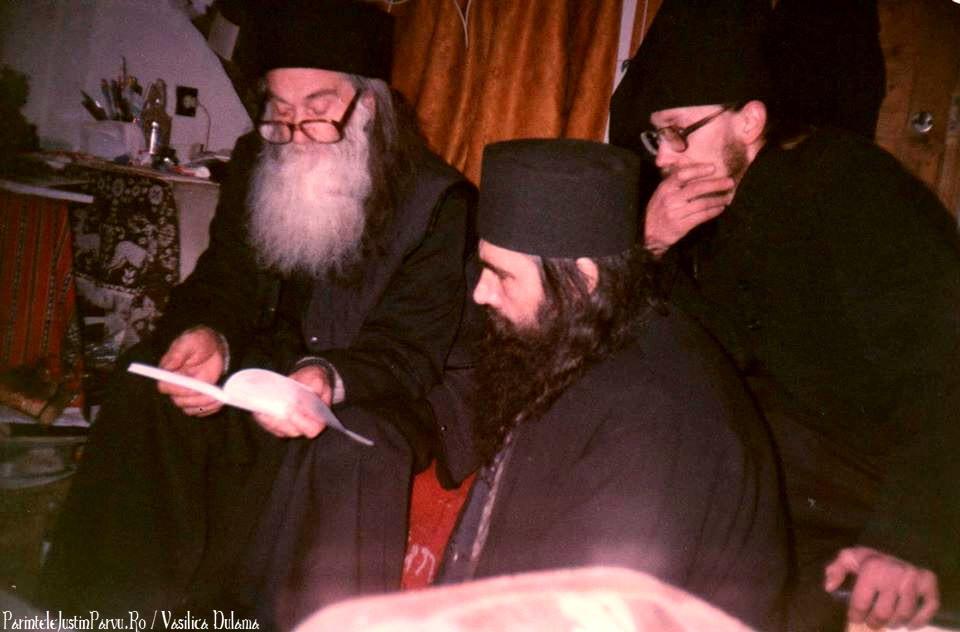 Parintele Justin Parvu Ro - Manastirea Petru Voda - Foto Arhiva 18