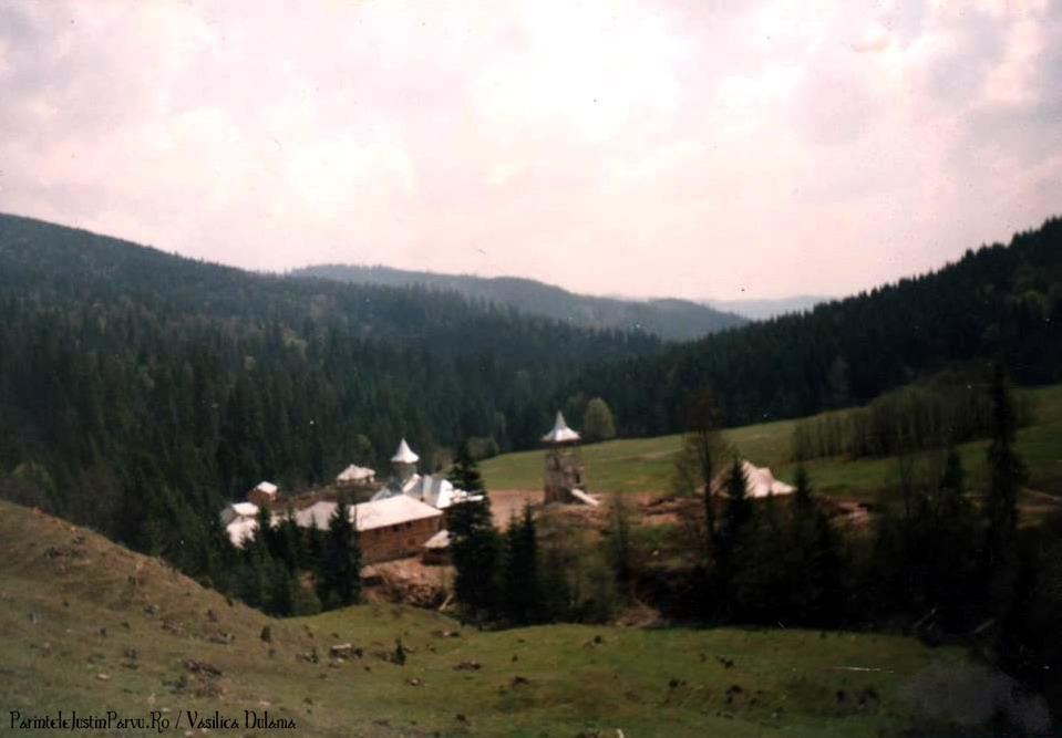 Parintele Justin Parvu Ro - Manastirea Petru Voda - Foto Arhiva 23