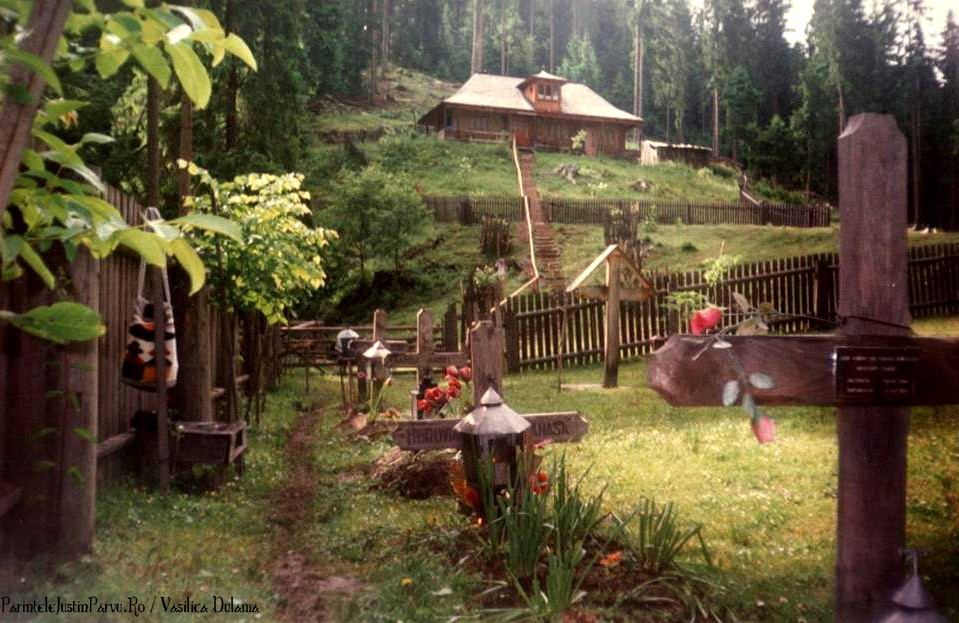 Parintele Justin Parvu Ro - Manastirea Petru Voda - Foto Arhiva 24