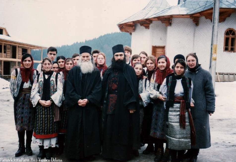 Parintele Justin Parvu Ro - Manastirea Petru Voda - Foto Arhiva 4