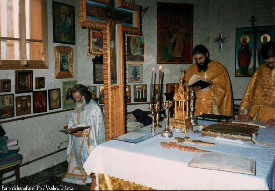Parintele Justin Parvu Ro - Manastirea Petru Voda - Foto Arhiva 8
