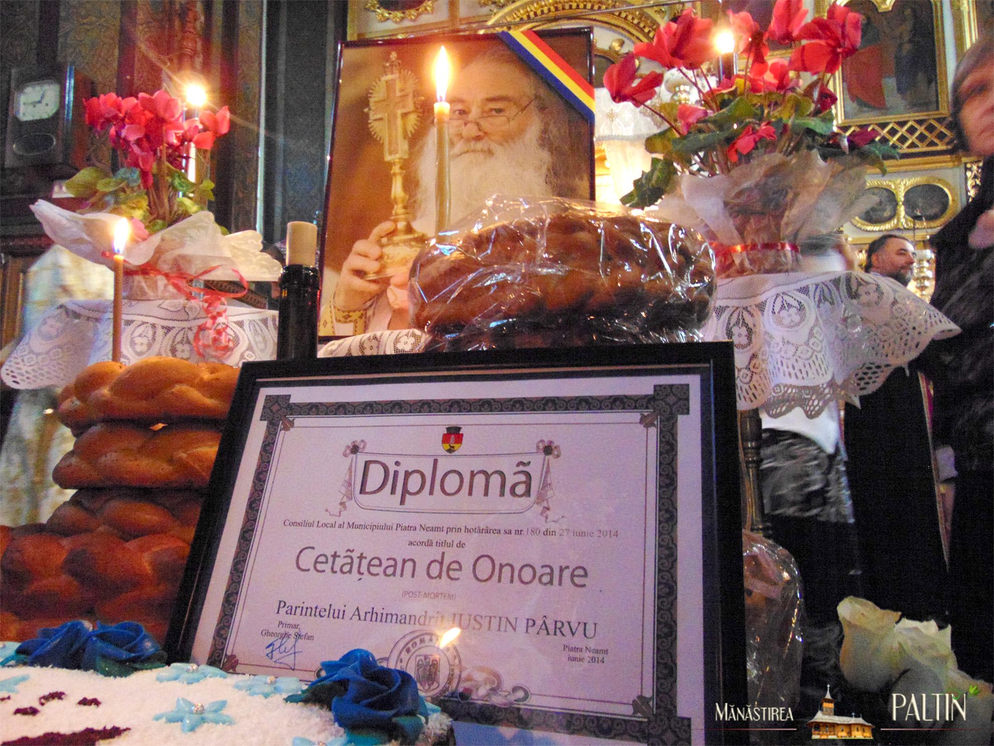 Ceremonia_titlu_cetatean-de-onoare-Parintele-Justin-Piatra-Neamt 1