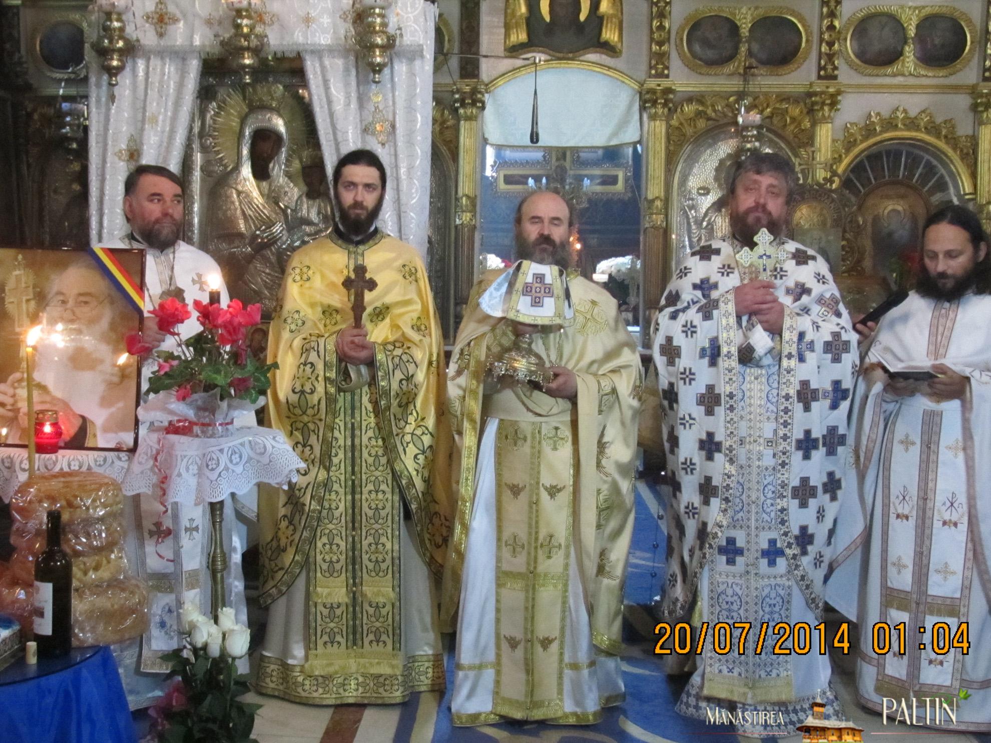 ceremonie_titlu_cetatean-de-onoare-Parintele-Justin-Piatra-Neamt 3