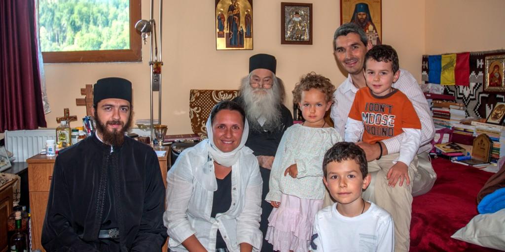 Parintele Justin Parvu si Familia Dianei si a lui Cristian la Petru Voda